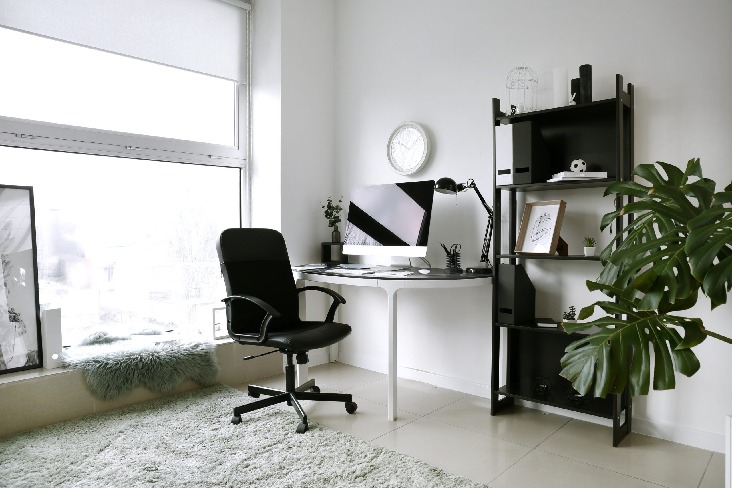 Interior,Of,Room,With,Comfortable,Designer,Workplace